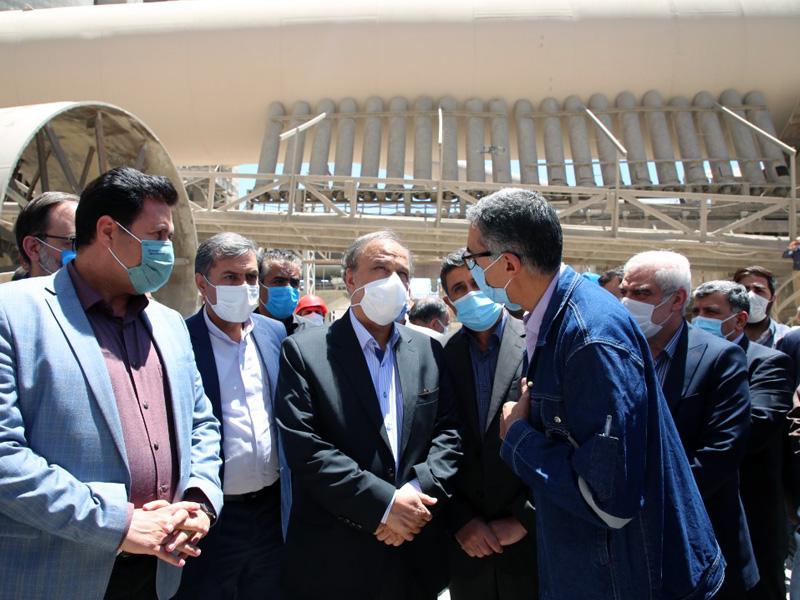 تقدیر وزیر صمت از اقدامات انجام شده در بزرگترین کارخانه سیمانی شستا